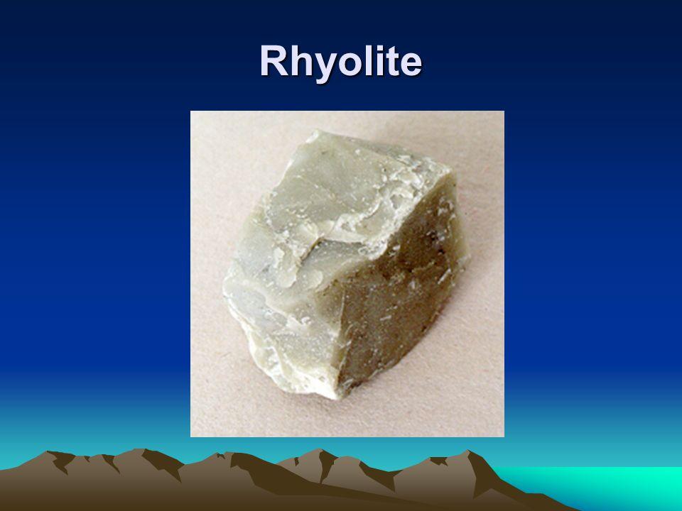 Les roches métamorphiques Les minéraux de la roche initiale (ou roche mère ou protolite), qui subissent un métamorphisme, perdent leur stabilité et se recristallisent en de nouveaux minéraux.