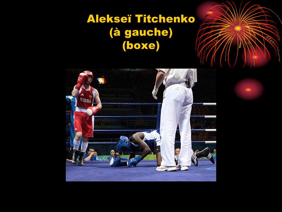 Alekseї Titchenko (à gauche) (boxe)