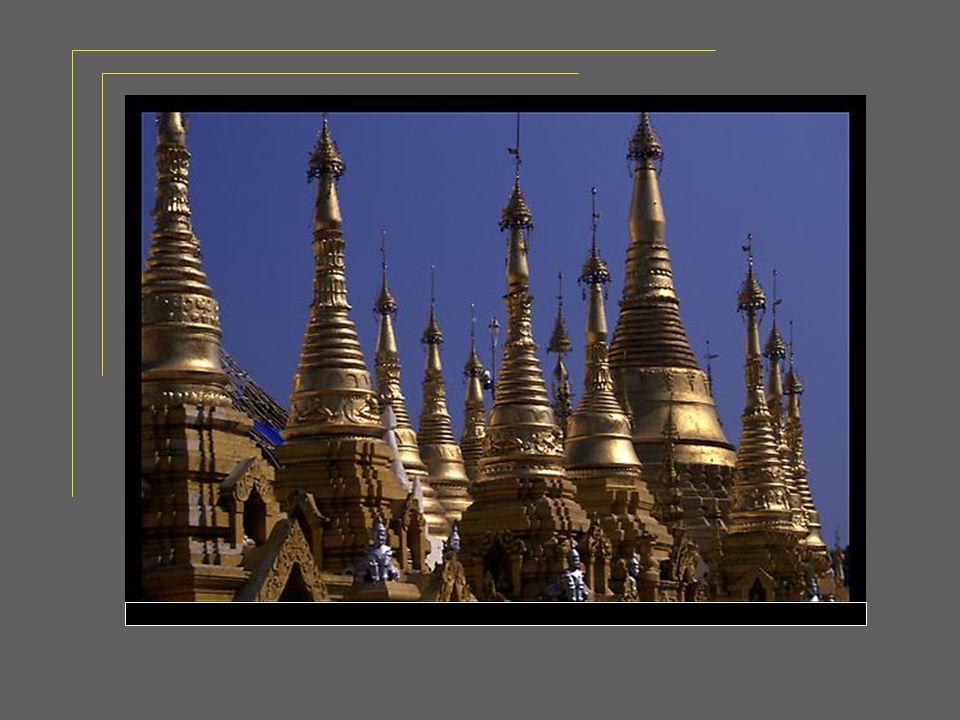 Une troisième était dorée comme le sont ses temples majestueux.