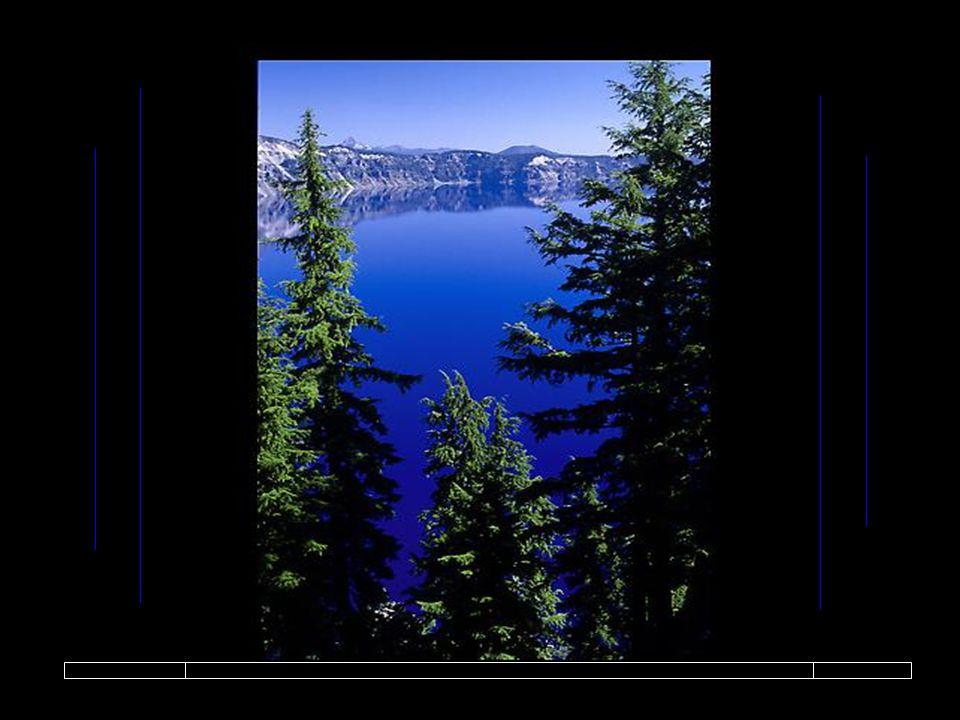Une était bleue, du bleu profond des océans et de ses îles.