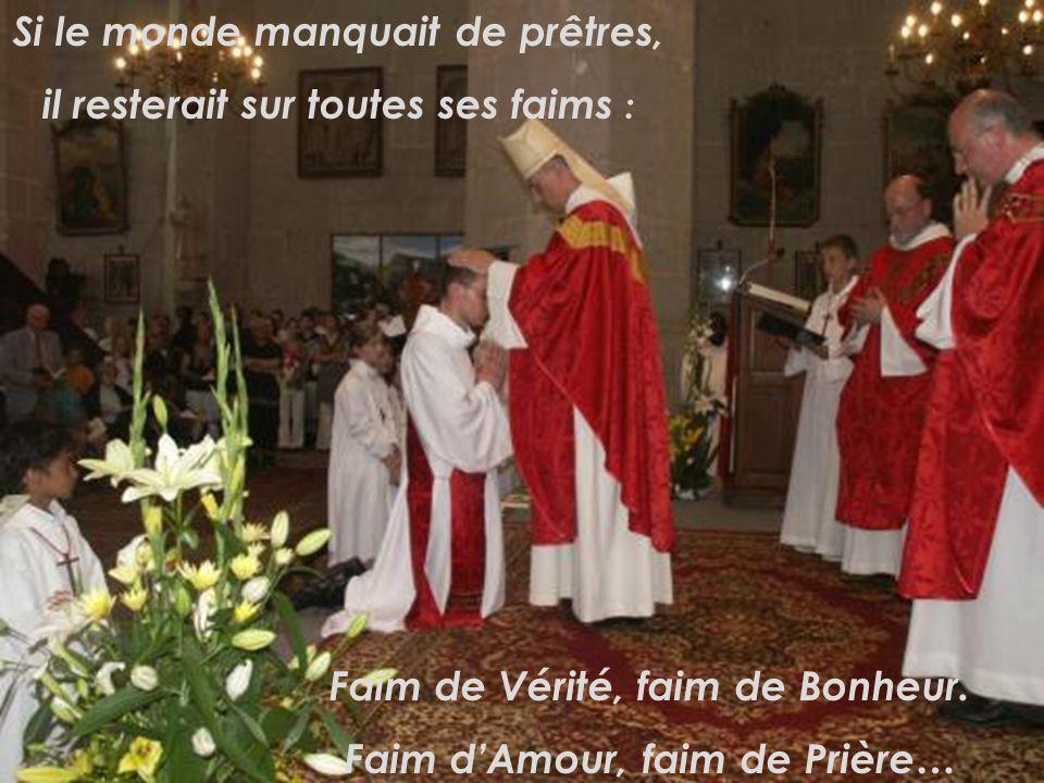 Car le prêtre partage volontiers le labeur de ses ouailles. Mais ses mains qui manient la pâte humaine, restent malgré tout des mains « divinisées »,