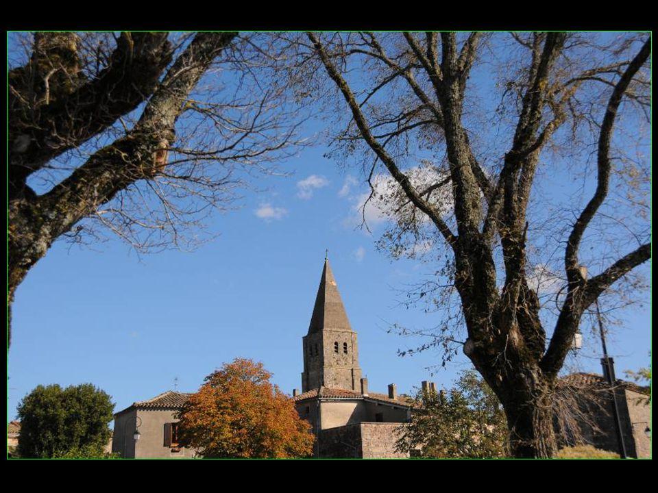 La ville est fondée au X me siècle par les moines bénédictins de labbaye dAurillac