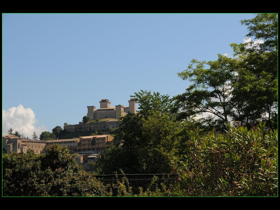 plusieurs films ont été tournés à Spoleto, dont : La vie privée, de Louis Malle, en 1961 avec Brigitte Bardot et Marcello Mastroiani Le Califa, dAlberto Bevilacqua, en 1971, avec Ugo Tognazzi et Romy Schneider