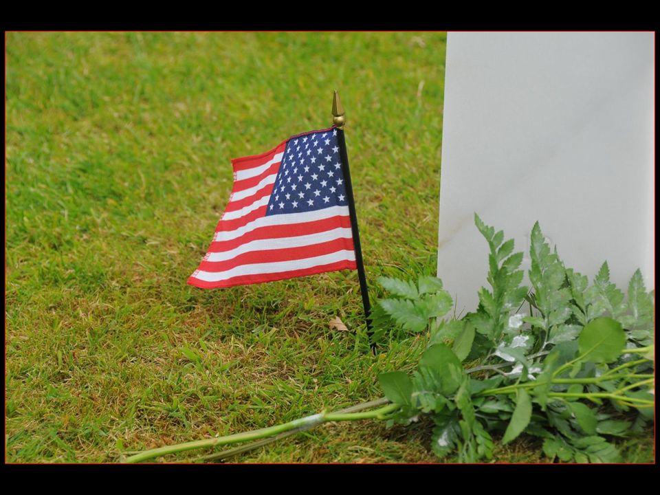 Parmi les personnalités enterrées, notons celle du général Theodore Roosevelt junior ( 1887 – 12 juillet 1944 ) fils aîné du président des USA Theodore Roosevelt, et des deux frères Niland dont lhistoire a inspiré Steven Spielberg pour le scénario du film : Il faut sauver le soldat Ryan