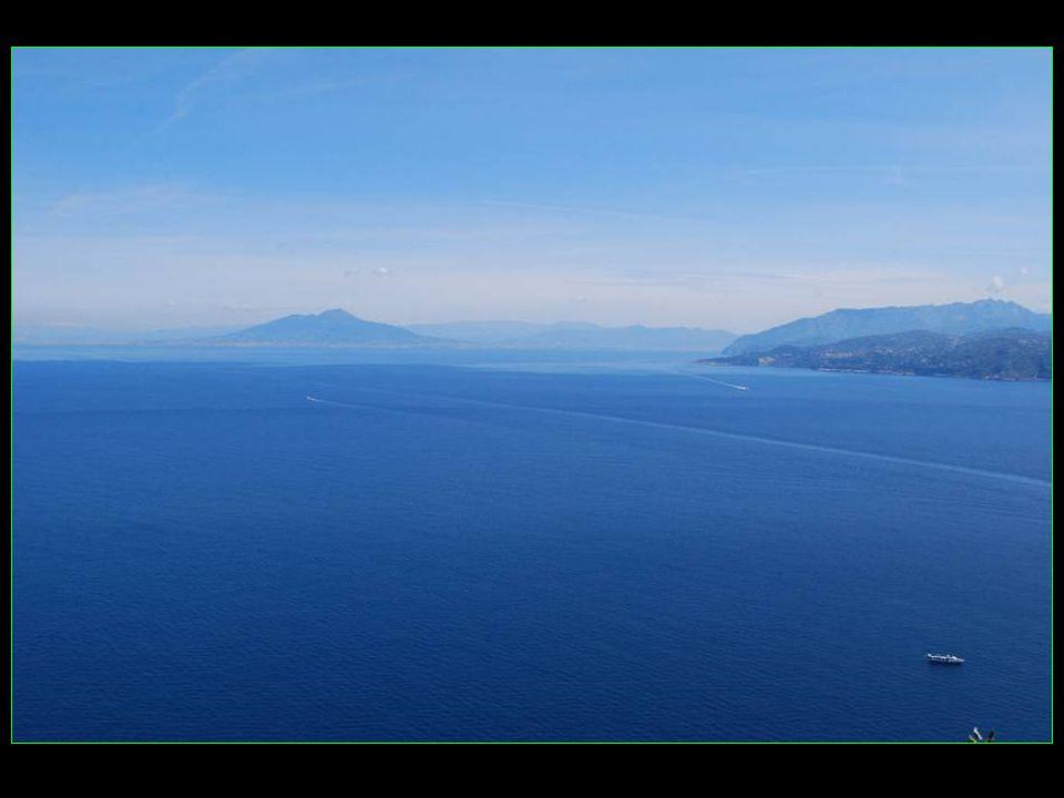 Depuis Anacapri une vue splendide sur la baie et Marina Grande