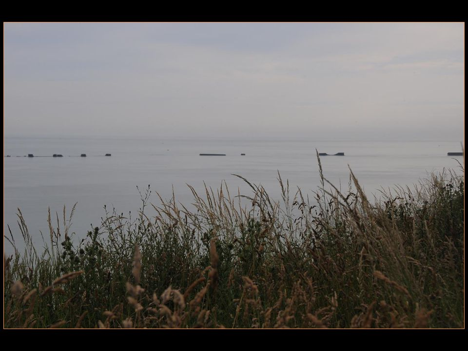finalement, le bataillon de Rangers qui devait être envoyé en renfort à la pointe du Hoc fut détourné sur Omaha Beach et il parvint à réaliser la première percée valable