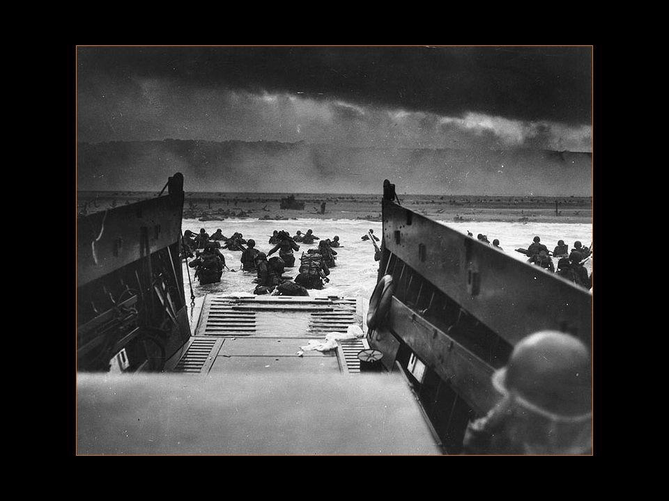 90 % des hommes de la première vague furent tués ou blessés, soit près de 15000 morts à Omaha Beach