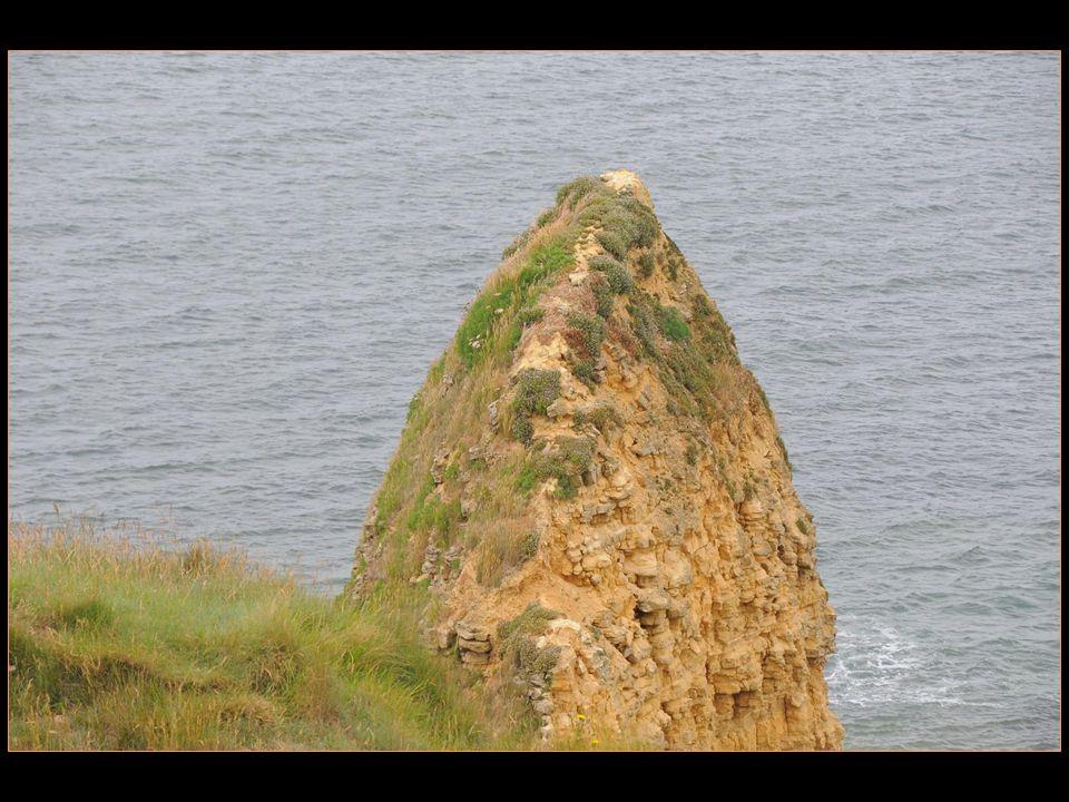 La pointe du Hoc est une petite avancée de la côte Normande.