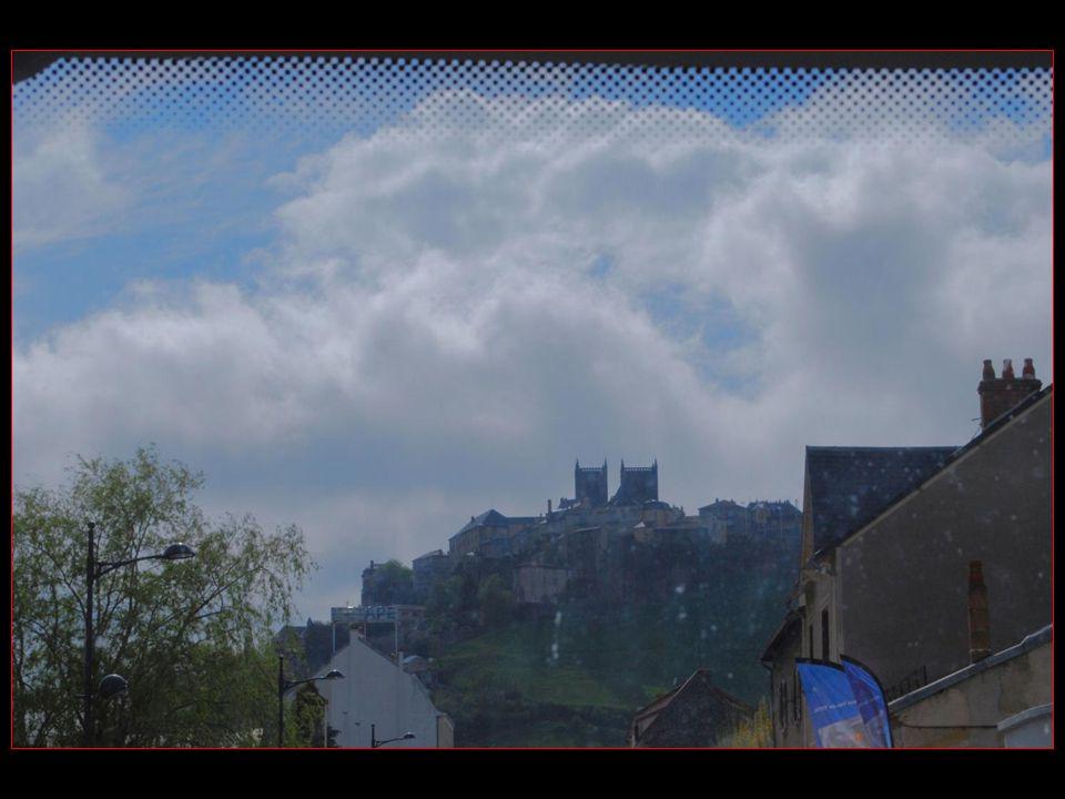 Les voyages BUCHARD en AUVERGNE Printemps 2010 Saint-Flour Nouvelle version de 2013 défilement automatique