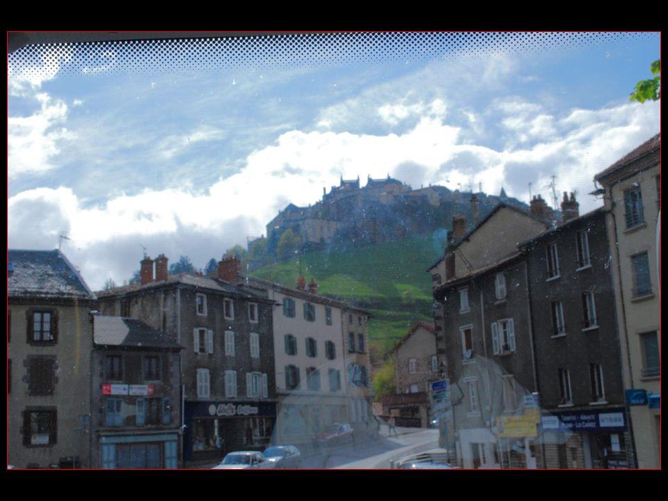 Saint-Flour Département Cantal sous-préfecture