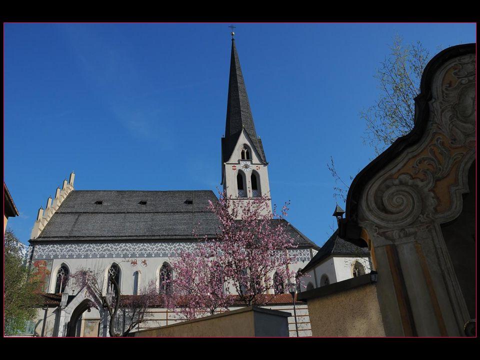 avec ses 84,5 mètres son clocher est le plus haut du Tyrol