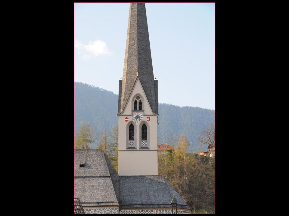 son clocher le plus haut du Tyrol et est le troisième plus élevé dAutriche