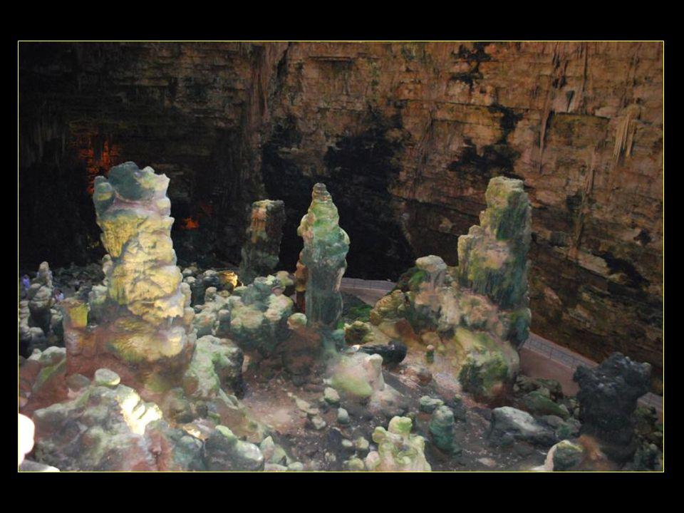 Nous ne pouvons photographier quaux premières grottes, la Grave et la Grotta Nera (grotte noire)