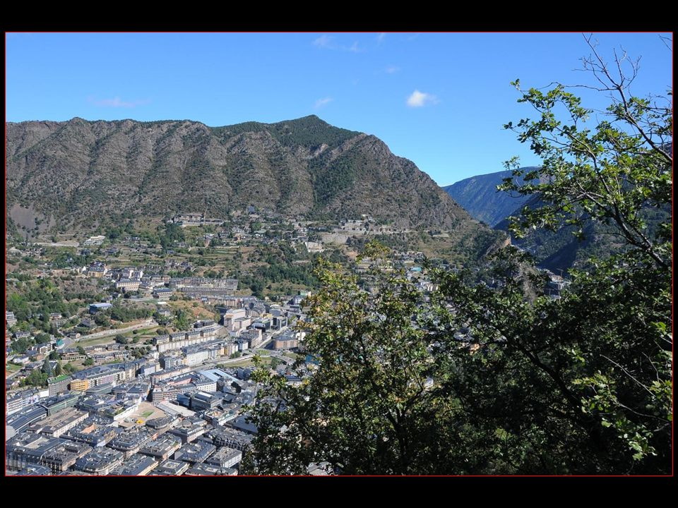 Les voyages BUCHARD à ANDORRE Automne 2012 Andorre-la-Vieille défilement automatique