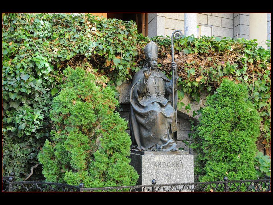 Monument en mémoire de Juan Baptiste Benlloch 1884 – 1926 Evêque dUrgell et Co-Prince dAndorre de 1906 à 1919