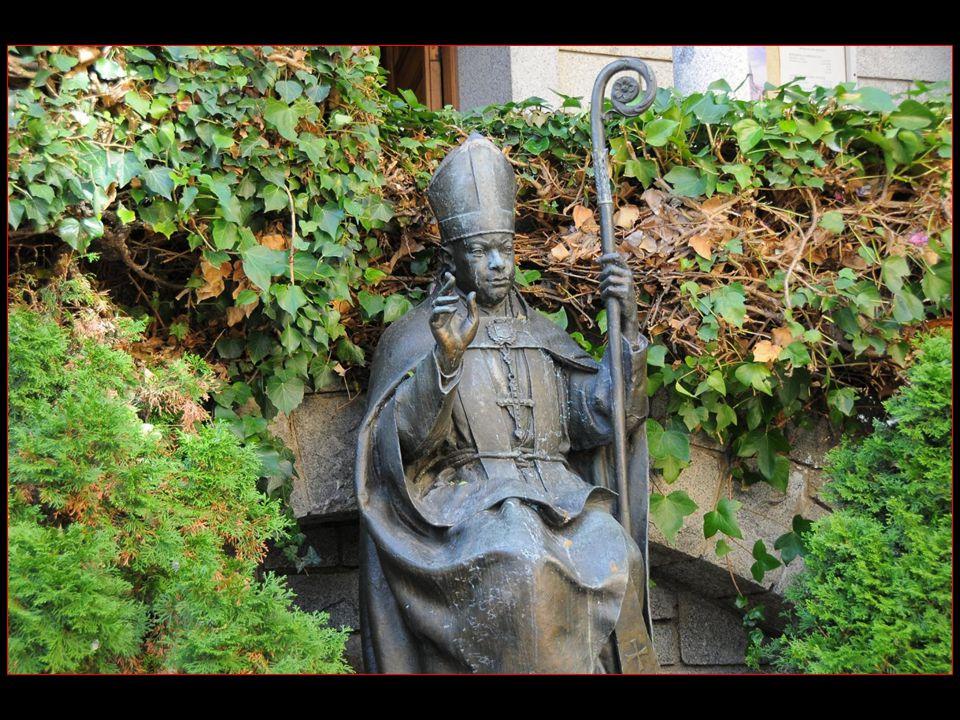 Cest le Cardinal Benlloch qui a composé El Gran Carlemany L hymme national dAndorre