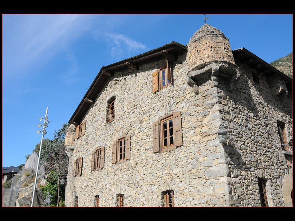 La casa de la Vall du XVI me siècle, construite en 1580, siège du conseil général (parlement)
