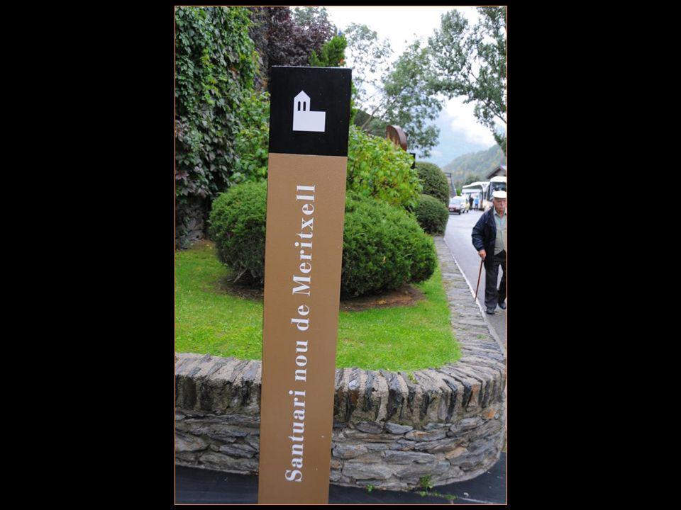 Andorre na pas de poste Mais est desservie par La poste dEspagne et LA poste française Qui elles non pas hésité À émettre des timbres-poste De meritxell