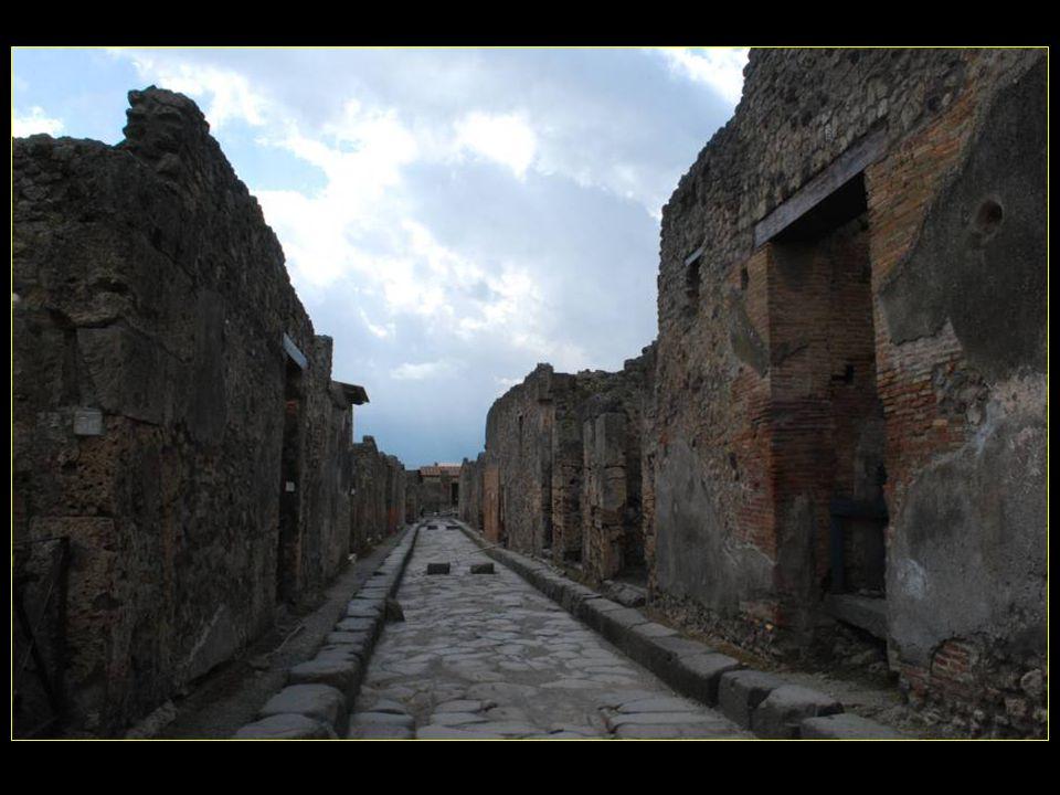 Les voyages BUCHARD à SORRENTE CÔTE AMALFITAINE Printemps 2011 Pompeï 2me partie défilement automatique