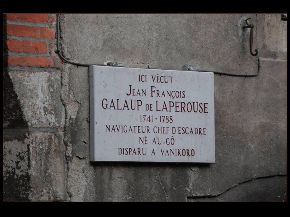 Accolée à la Maison du peintre Toulouse –Lautrec Celle où vécut Le navigateur et comte de la Pérouse