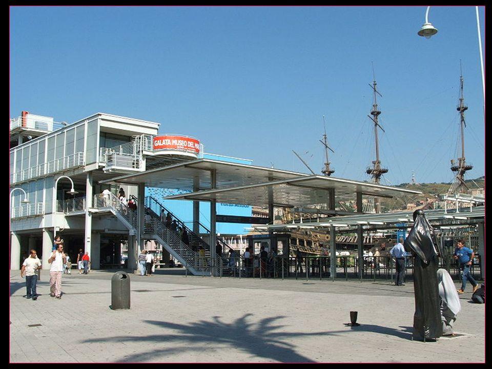 Lentrée de laquarium dans le port de Gênes