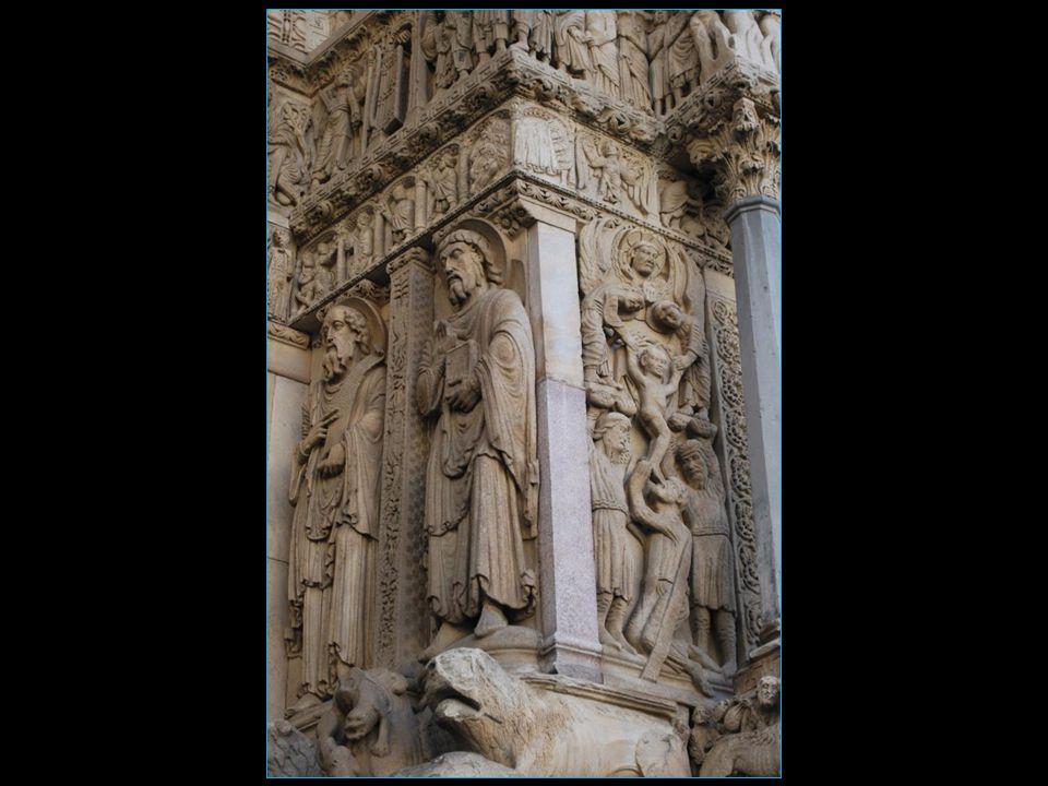magnifique portail orné dordre antique du 12me siècle, consacré à lévocation du jugement dernier