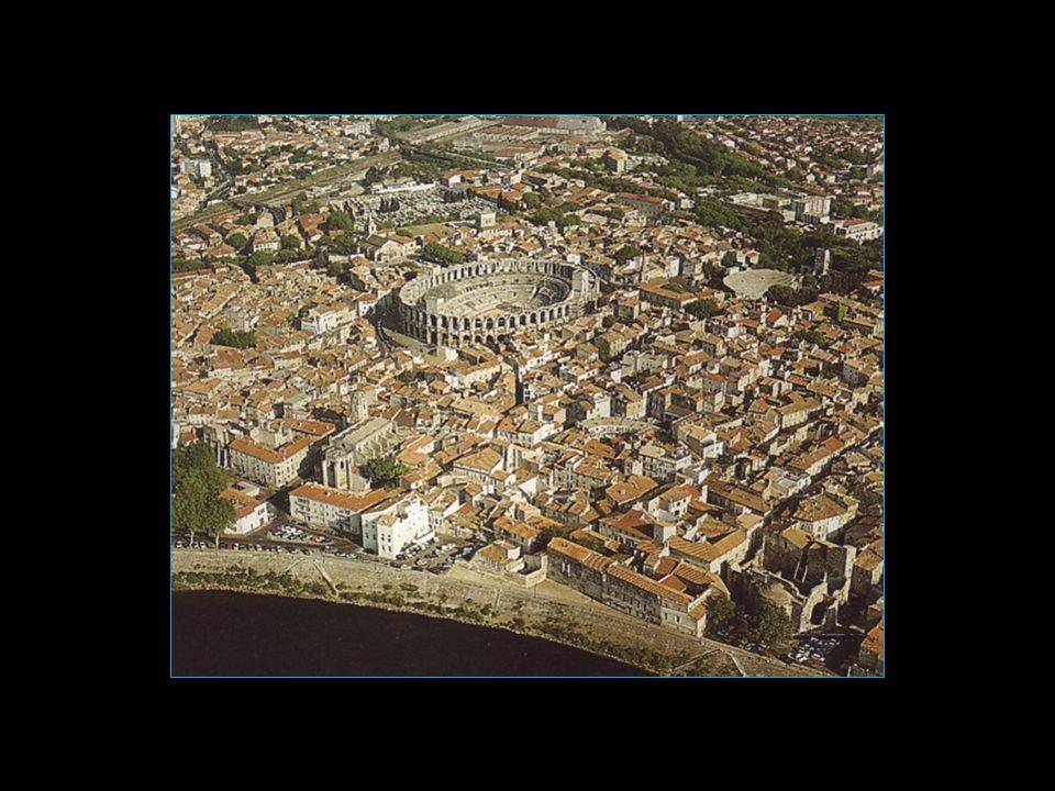 Il a été inspiré par le Colisée de Rome