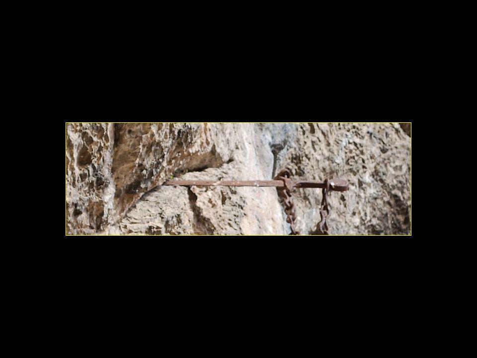Lépée du chevalier Roland «Durandal = nom de lépée du dit chevalier»