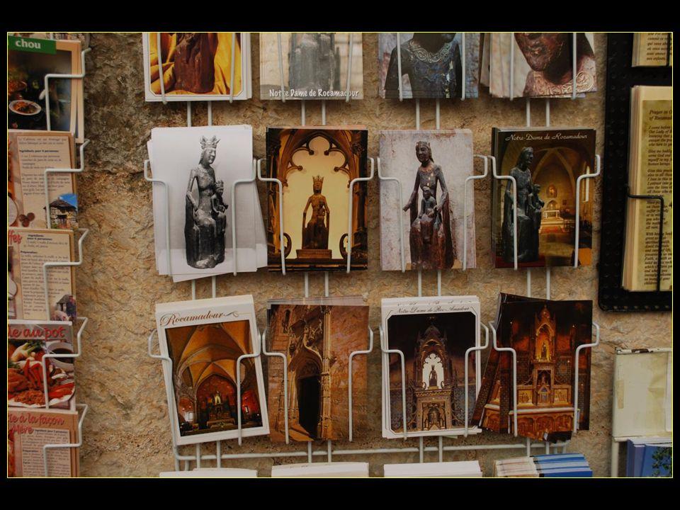 et les cartes postales dites religieuses