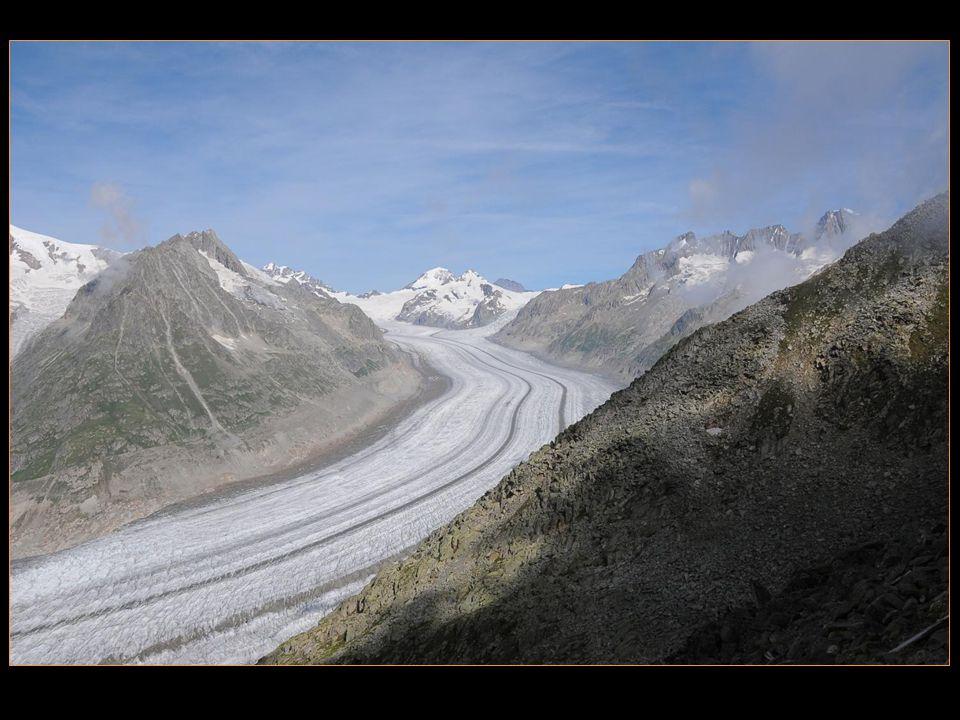 Tout de suite, un flash grandiose nous prend à la gorge, la splendeur du glacier dAletsch