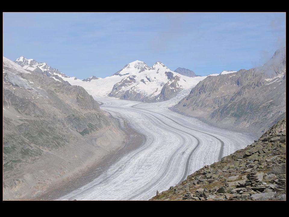 Le glacier a reculé de 2600 m depuis 1880