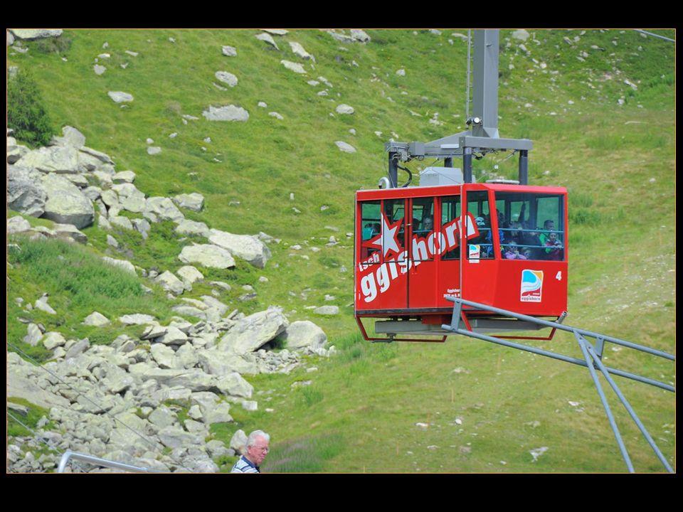 Tout la haut sur la montagne de la Jungfrau, le relais et observatoire du Jungfraujoch