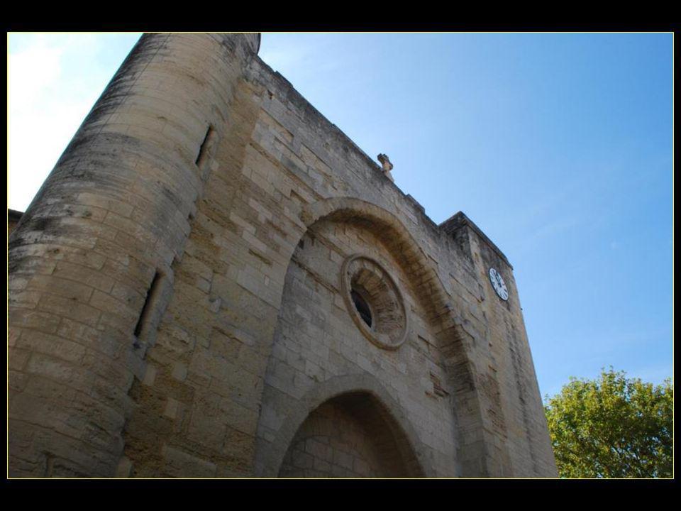 La tour de Constance érigée en 1242 par Saint Louis