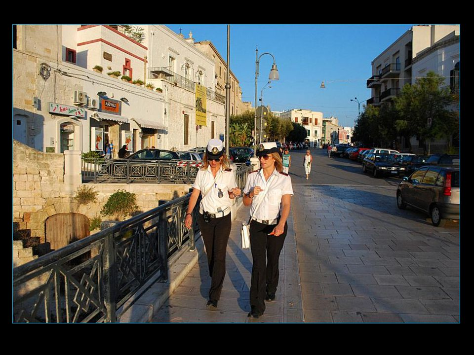 Elles sont toutes jolies, les dames de la police italienne