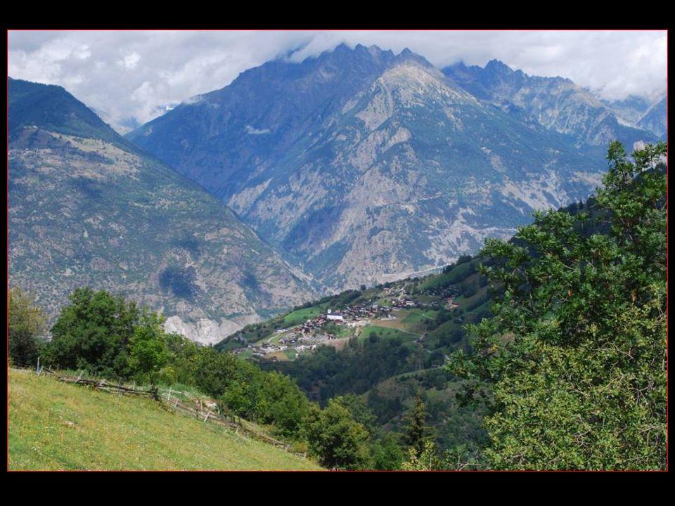 Sur la rive droite de la vallée de Tourtemagne se dresse en sentinelle Le village dErgisch
