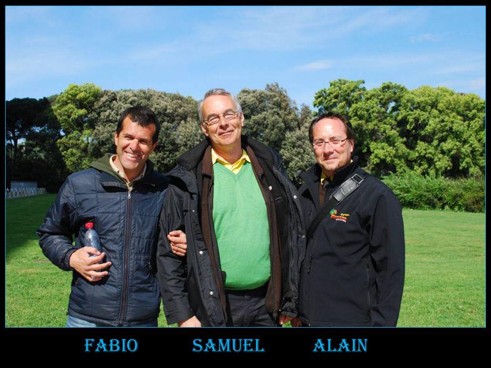 Ne pas oublier Notre guide local compétent Fabio Lors des visites de capri Côte amalfitaine palais de caserta