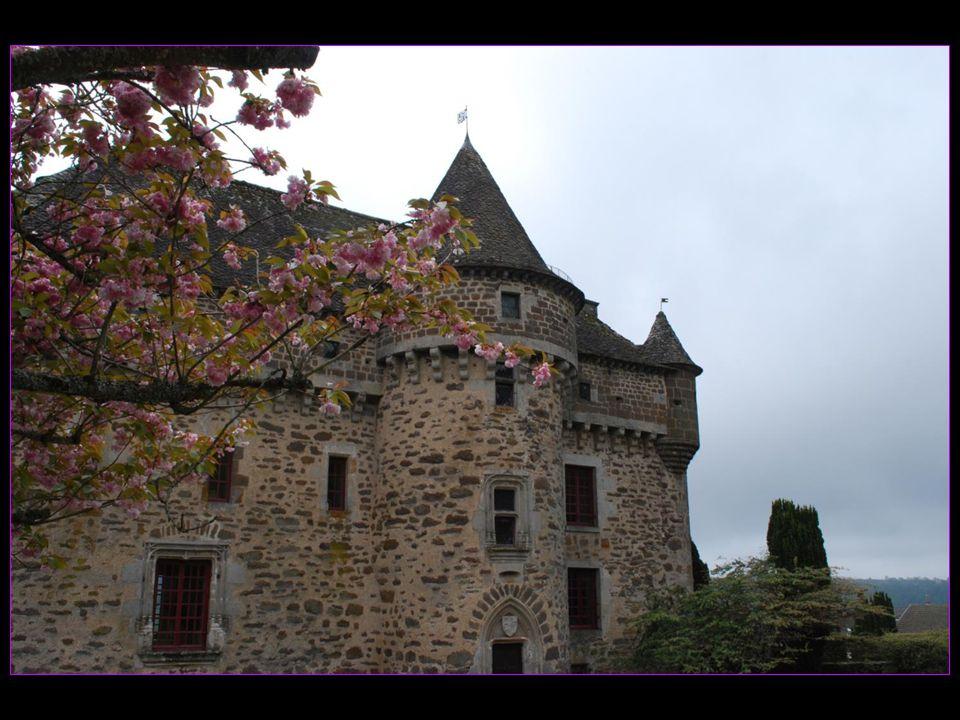 construit au XIV me siècle puis reconstruit du XVI au XIX mes siècles