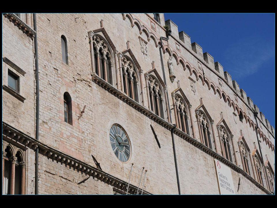 Le Palazzo dei Priori ou Palazzo comunale Hôtel de ville