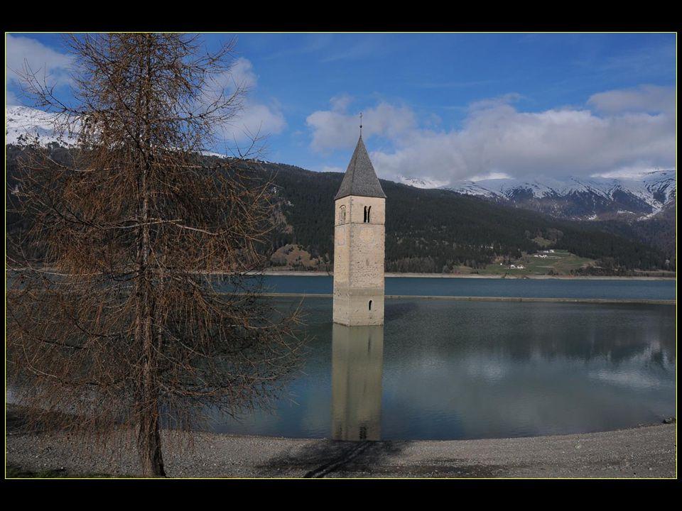 Au bord du lac de Resia Reschensee