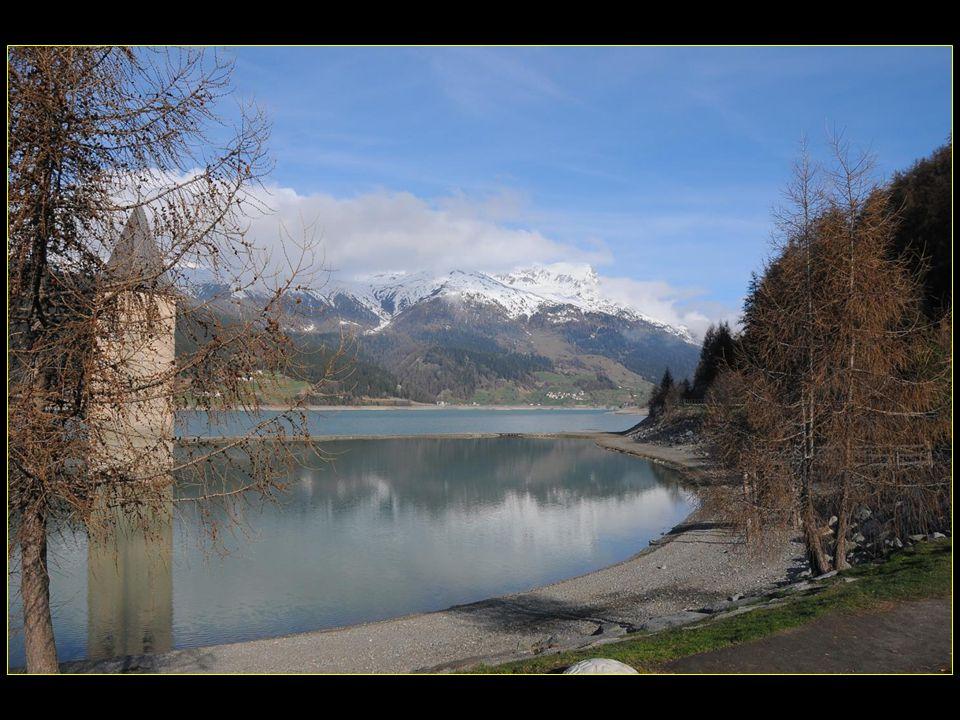 Le village jouxte lartificiel Reschensee