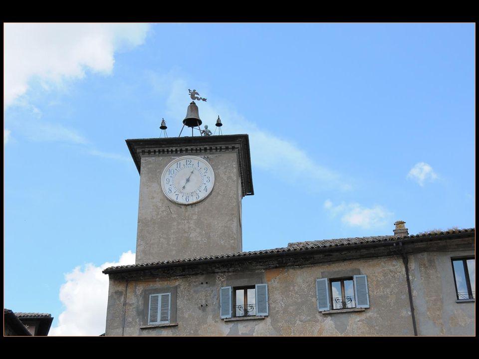 Orvieto est une commune italienne située dans la Province de Terni et la région de lOmbrie