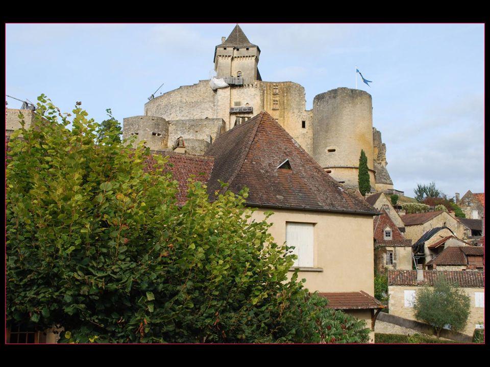 Le château de Castelnaud abrite le musée de la Guerre au Moyen âge