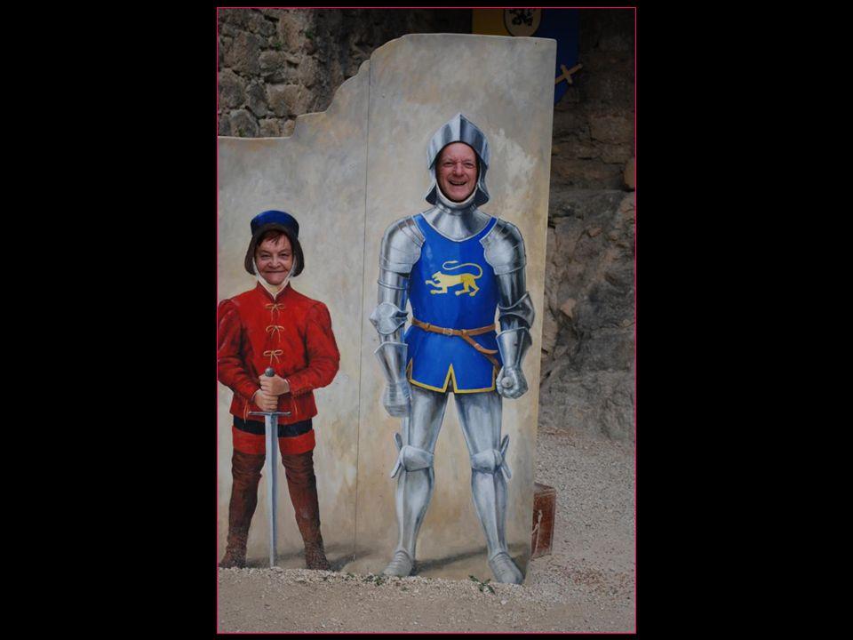 Avec sourire… ne pas nous prendre pour des chevaliers