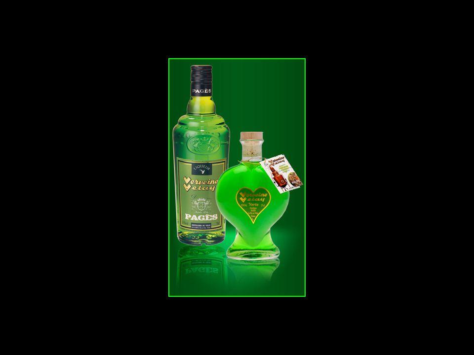 La verveine liqueur est composée de plus de 32 plantes et en particulier de verveine