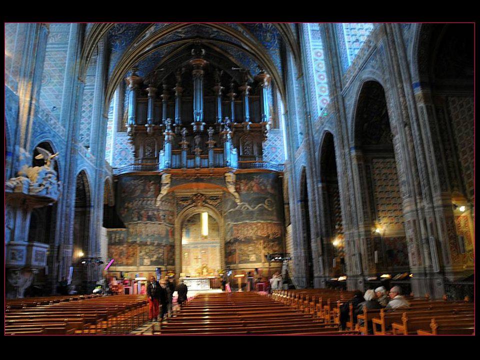 Les fresques de Sainte-Cécile représentent la plus grande surface de fresque de la renaissance italienne en France