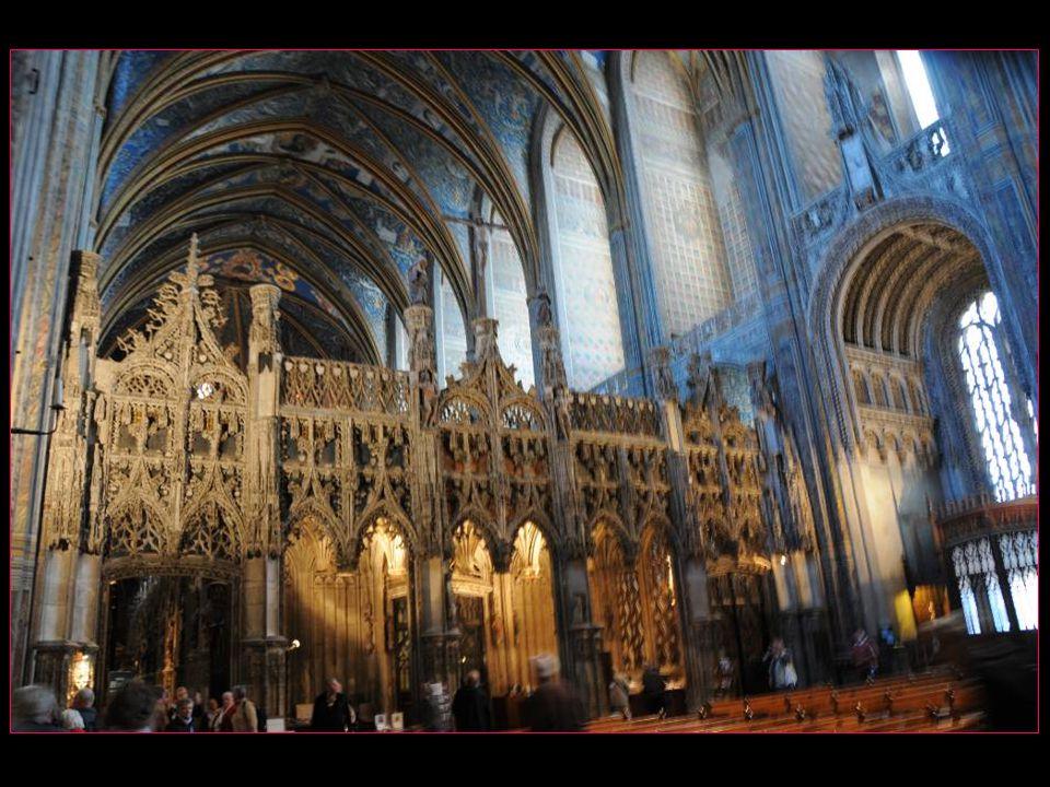 et maintenant visitons le chœur de la cathédrale