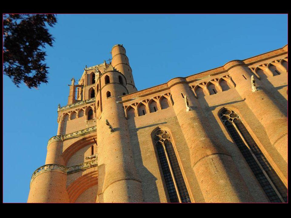 La cathédrale Sainte-Cécile est laffirmation parfaite du gothique méridional