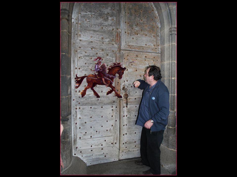 dentrer à cheval dans léglise ceci surtout lors de la période des croisades