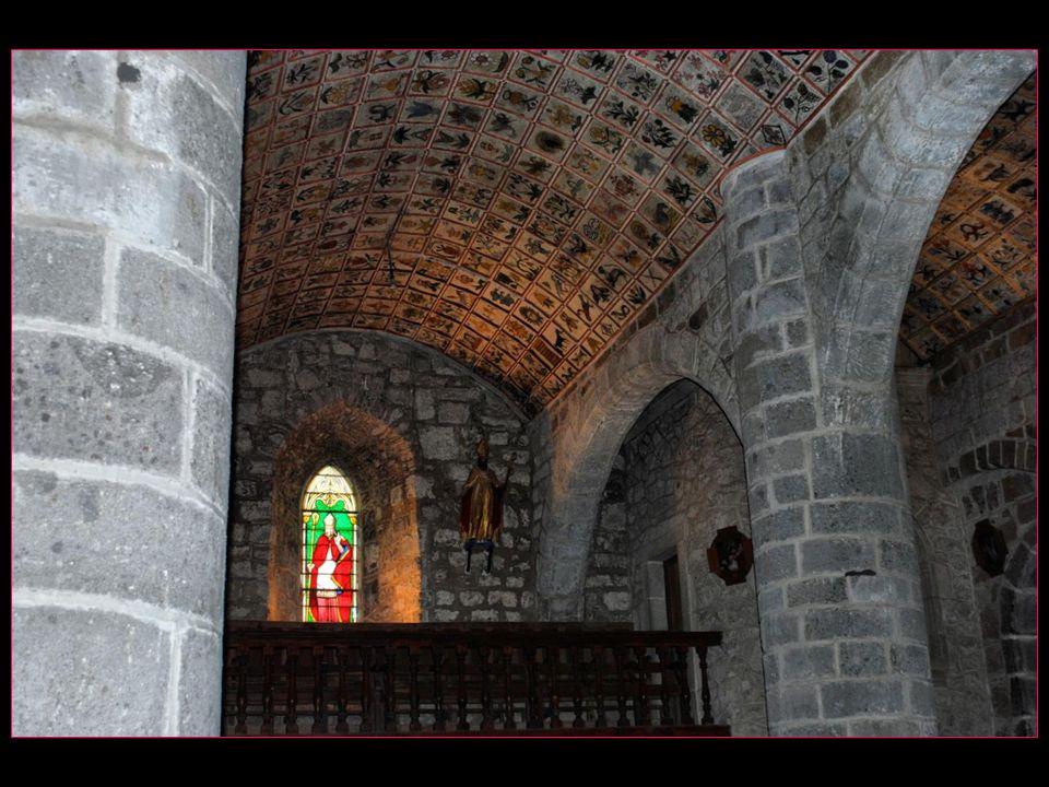 cest le plafond qui surtout est remarquable il date de la fin du XVI me siècle