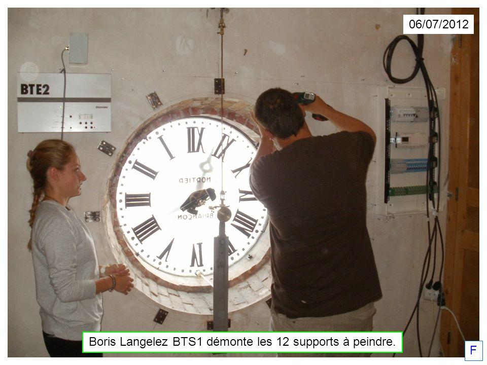 06/07/2012 Boris Langelez BTS1 démonte les 12 supports à peindre. F